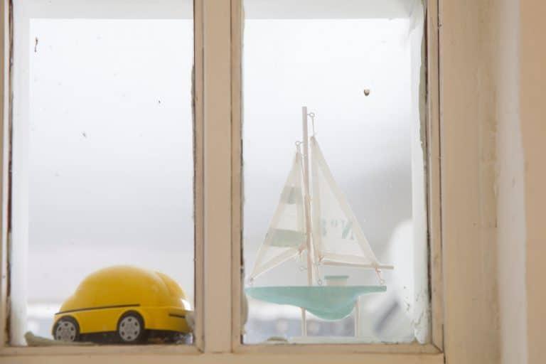 חלון פנימי בדירה בביאליק 23 תל אביב