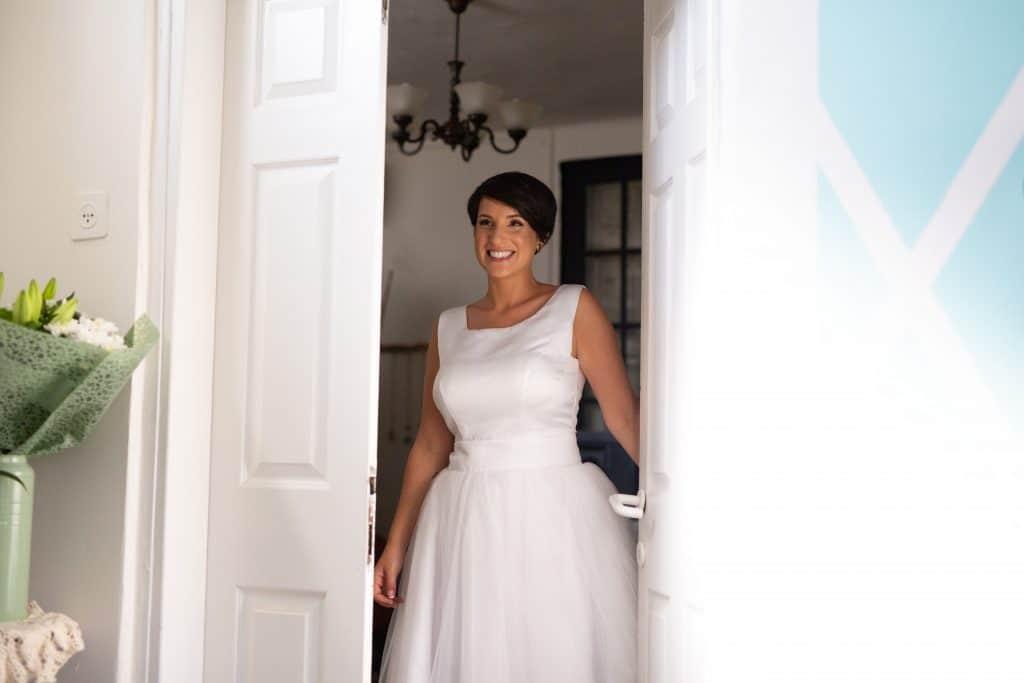 שמלת כלולות שובל גביש בדירה בביאליק 23 תל אביב